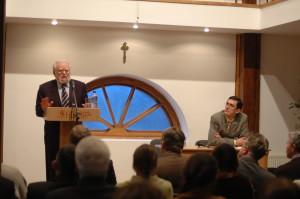 Мирослав Попович під час лекції